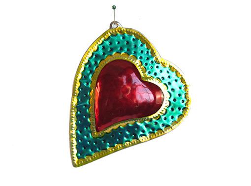 Heart w/green border, 5.5-inch, tin wall plaque