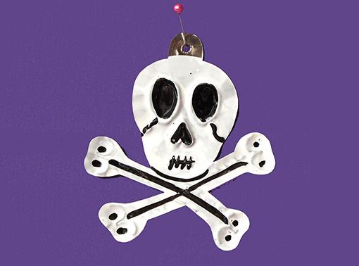 Skull and Crossbones, flat tin ornament, white