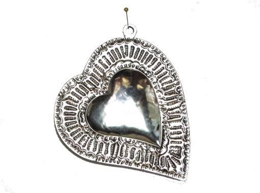 Heart w/black border, 5.5-inch, tin wall decor
