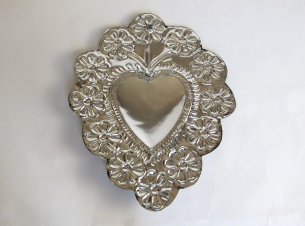 Tin Heart with 12 Flowers Border, flat wall decor, by FA, 7-inch